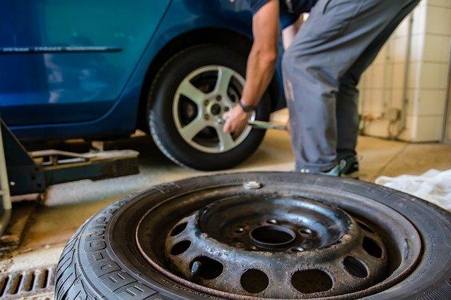 5 conseils pour l'entretien des pneus de voiture